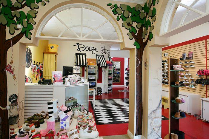 Shoe Store 015